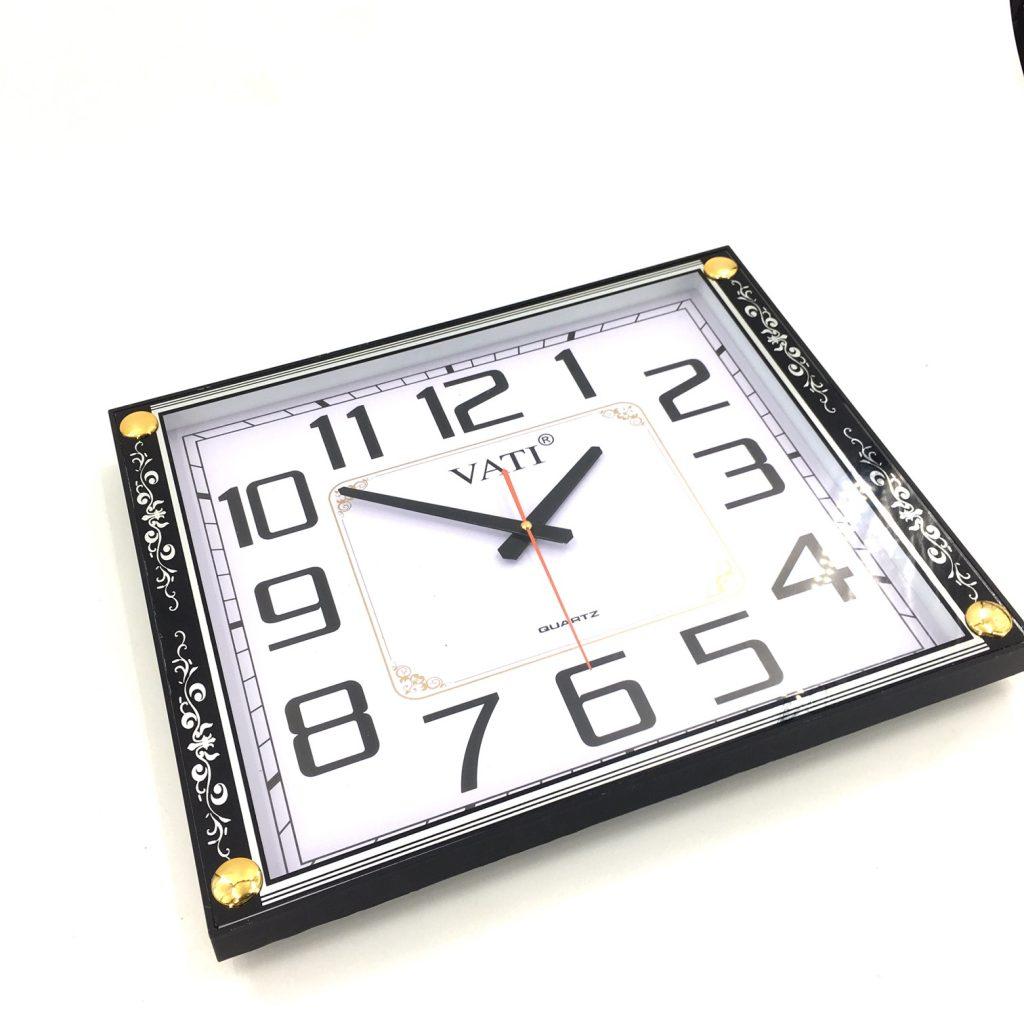 Đồng hồ treo tường hình vuông F41