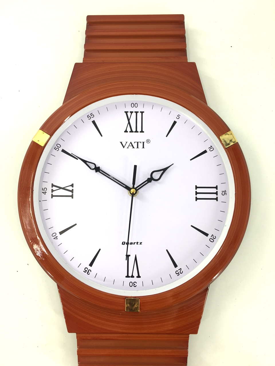 Đồng hồ treo tường hình tròn F66