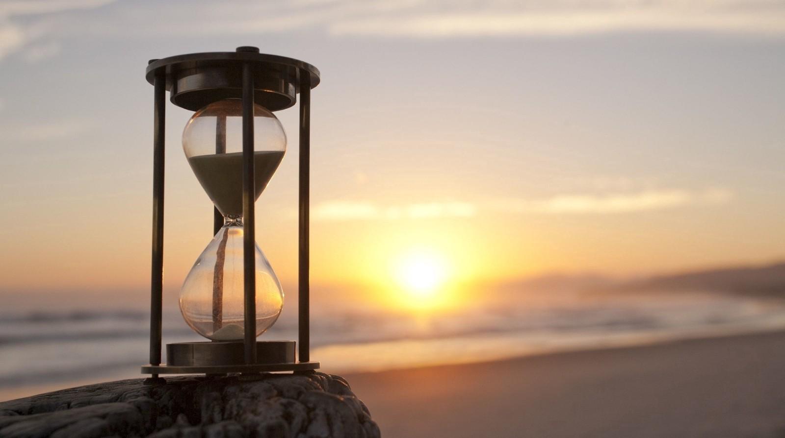đồng hồ treo tường cổ