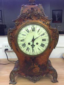 Chiếc đồng hồ Pháp còn nguyên bản