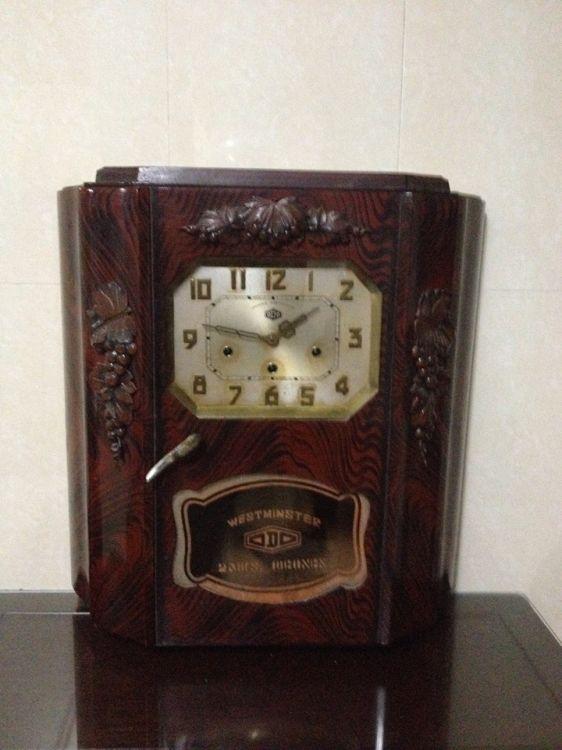 Những mẫu đồng hồ treo tường cổ của Pháp