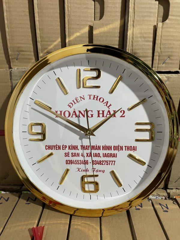 Đồng hồ treo tường in logo 30cm vành nấc xi vàng số nổi – hd43 (4)