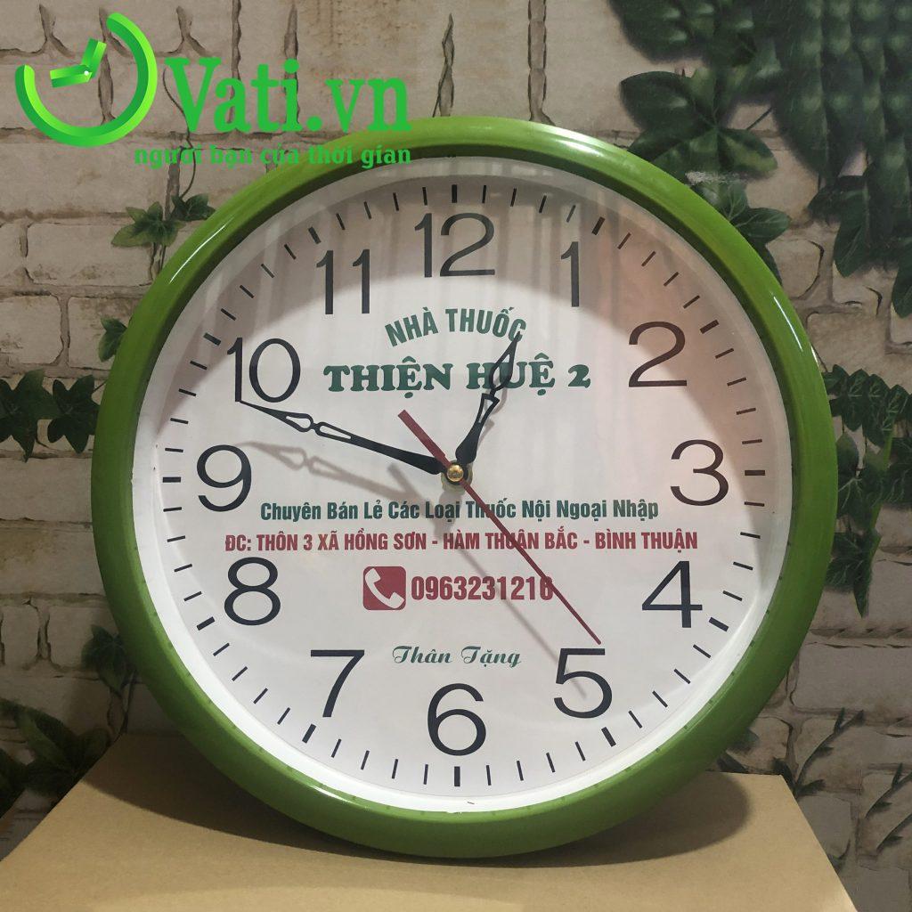 Đồng hồ treo tường in logo Nhà thuốc Thiện tuệ 30x30cm