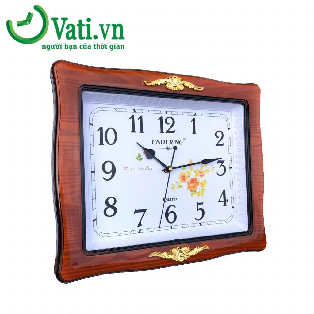 Đồng hồ treo tường in logo mẫu vuông gỗ đẹp - Vati