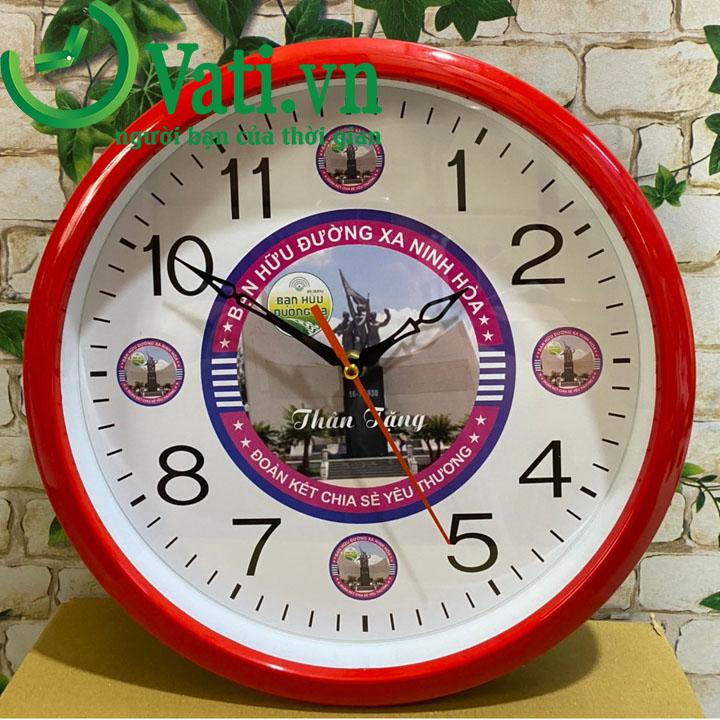 Đồng hồ treo tường in logo mẫu tròn 30x30cm (màu đỏ)