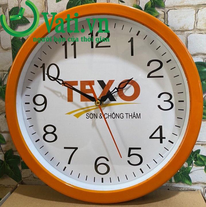 Đồng hồ treo tường in logo mẫu tròn 30x30cm (màu vàng cam)